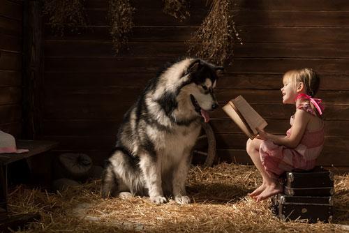 Kind-mit-Hund